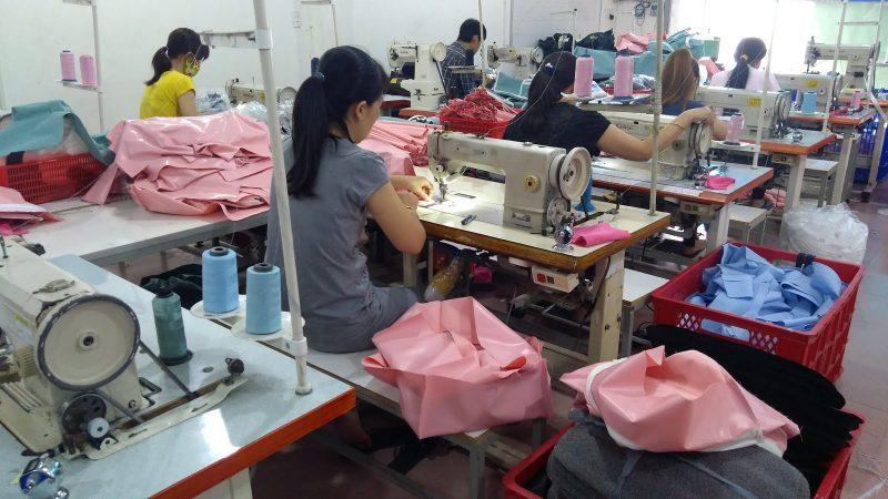 Trí Việt – xưởng sản xuất balo túi xách lâu năm giá rẻ uy tín tại TP.HCM